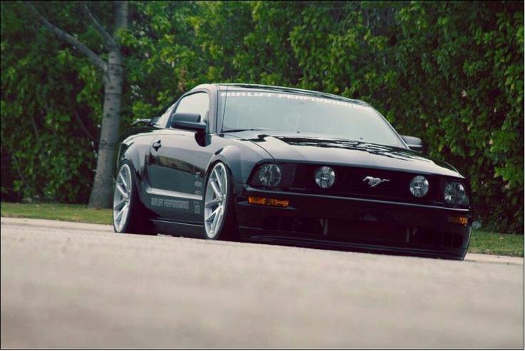 Mustang GT 500 slammed