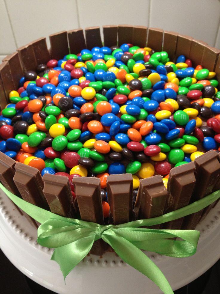 Kit Kat and M cake.