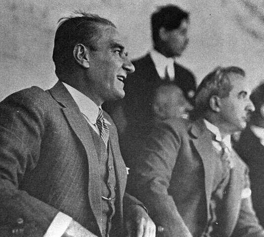 Gazi Mustafa Kemal ATATÜRK ve İsmet İnönü