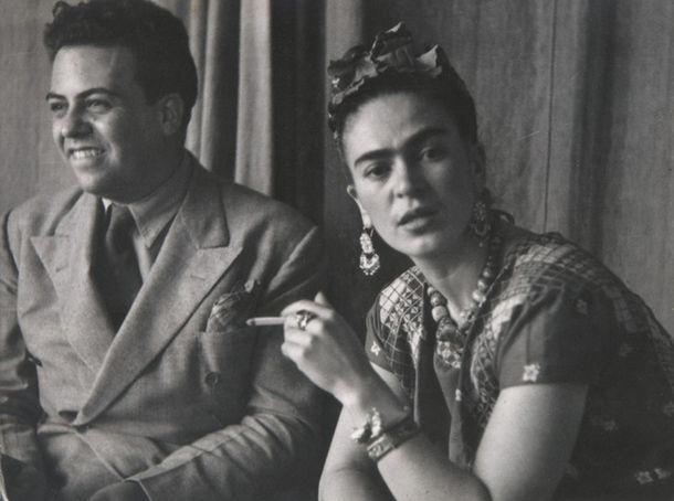 Мигель Коваррубиас и Фрида Кало в Сан-Анхеле, Мехико. 1938. Николас Мюрей. Из архива Музея Долорес Олмедо.