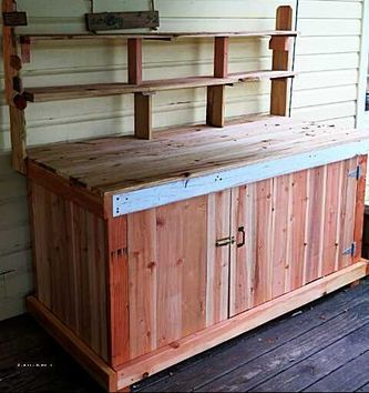 Picture of farmer's market table made of fence boards and recycled materials