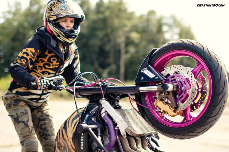 It is #WheelieWednesday so let's clutch it up! #ewastunts #iconshaguar #rideicon #iconalliancegt #iconhelmet #wheelies #bikelife #iconmotosports #icon1000 #motorcycles #kawasaki #zx6r #ninja #stuntbike #stuntrider #girlsridetoo #motogirl #iconmercjacket #ridinggear #stuntwoman #clutchup #femalestunter #stunting #motogear #magura #knfilters #ebcbrakes #helbrakelines #samcohoses #thsup #racebikebitz
