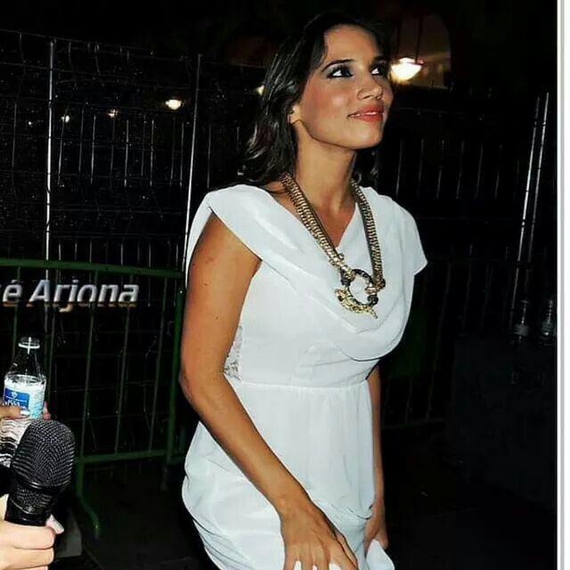 Mais uma famosa rendida aos vestidos Lima Limão! ❤❤❤ Disponível em loja. www.limalimao.net