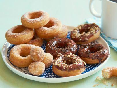 Happy National Doughnut Day! Make Giada's Italian Doughnuts to celebrate.Food Network, Italian Doughnuts, Happy National, Giada De Laurentiis, Italian Donuts, National Doughnuts, Doughnuts Recipe, Breakfast Recipe, Doughnut Recipes