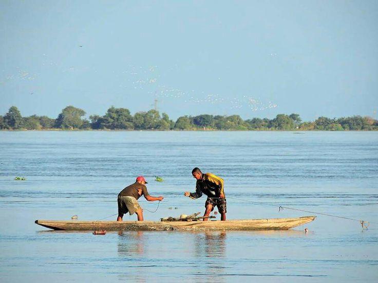 Pescando y disfrutando de la majestuosidad del río Magdalena