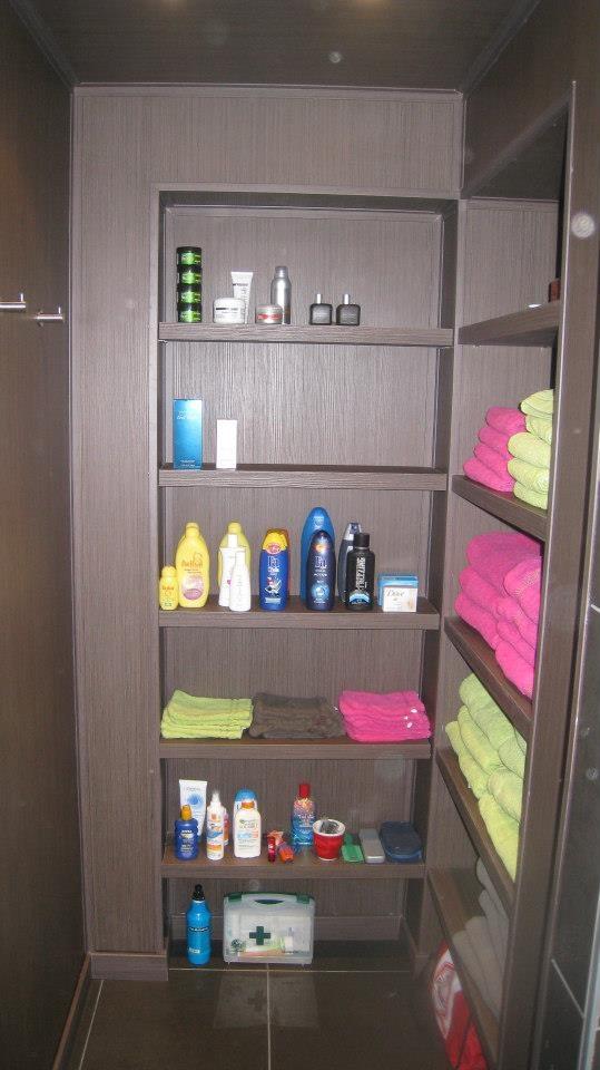 Inloopkast badkamer - Walk in closet in bathroom
