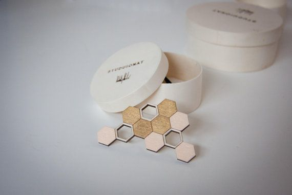 Beehive wooden brooch, gold & salmon-pink, honeycomb, laser cut wood, handpainted with acrylic colors