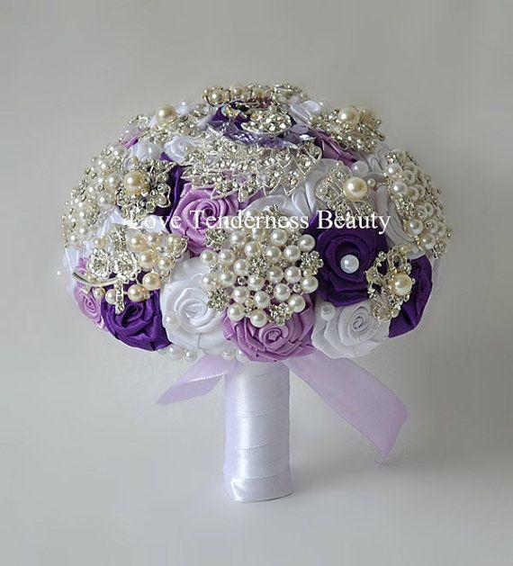 Spilla Bouquet Bouquet viola bianco argento di LoveBouquet su Etsy