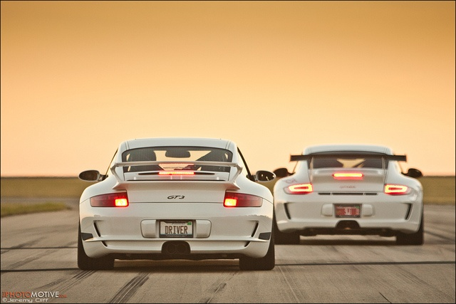 2007 Porsche GT3 vs 2011 Porsche GT3RS, via Flickr.