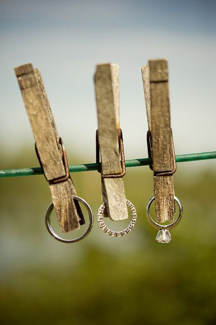 Loving this clothespin engagement ring photo! #engagementrings #unique