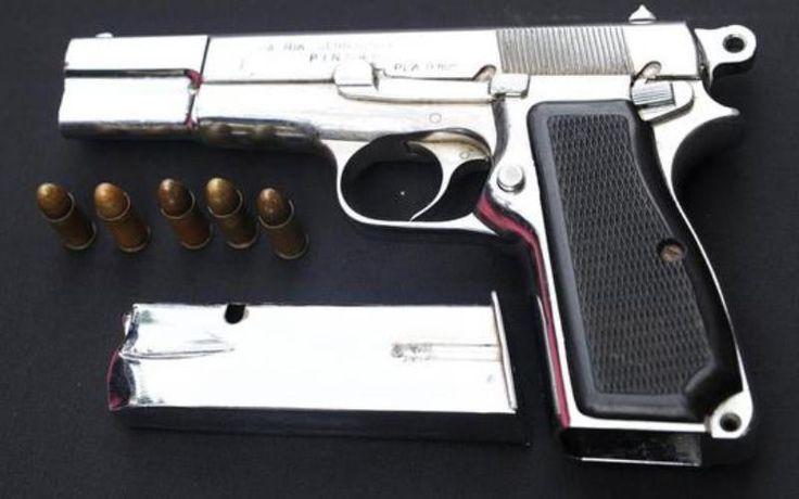 Pegawai Minimarket Akan Dibekali Senjata Api? - http://www.rancahpost.co.id/20150735824/pegawai-minimarket-akan-dibekali-senjata-api/