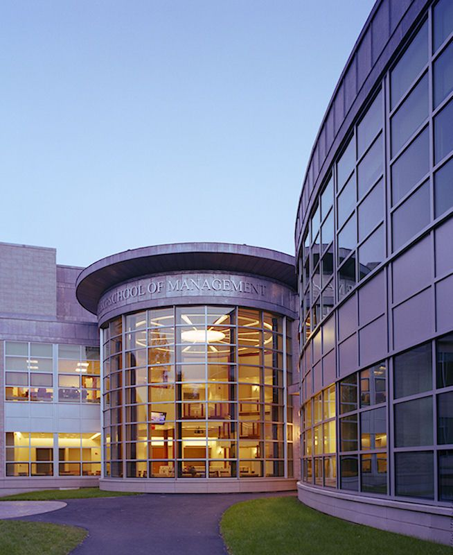 #CampusOfTheDay: Bloomberg Business Week ranks @UMass Isenberg School of Management 11th among public undergraduate business school programs in the United States- and FIRST in the Northeast! #businessschool #umass #management