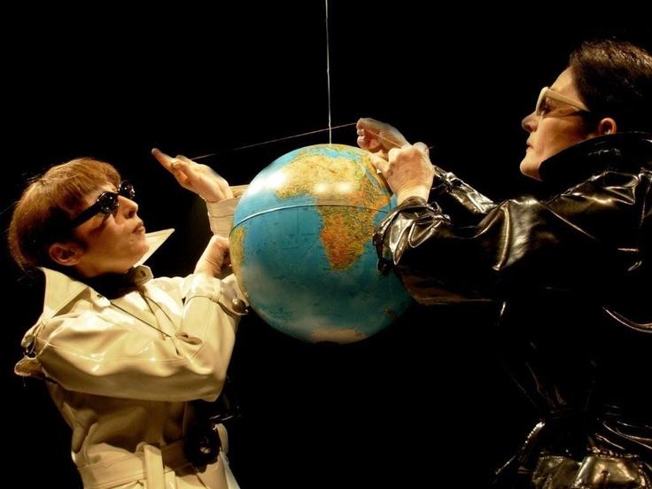 METTI UNA SERIE A CENA  http://www.teatrocarcano.com/scheda-spettacolo/578-metti-una-serie-a-cena    L'IRRAZIONALE LEGGEREZZA DEI NUMERI PRIMI  http://www.teatrocarcano.com/scheda-spettacolo/589-l-irrazionale-leggerezza-dei-numeri    PARALLELISMI: GEOMETRIE EUCLIDEE E NON  http://www.teatrocarcano.com/scheda-spettacolo/592-parallelismi-geometrie-euclidee-e-non    IL CASO,PROBABILMENTE: UNA PARTITA A DADI…