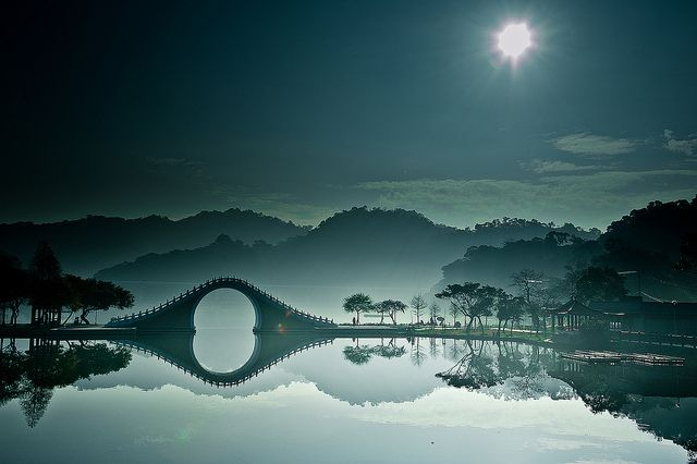 Remarkable, soft blue, monochrome picture of The Moon Bridge, in DaHu (Big Lake) Park in Taipei, northern Taiwan, |  © bbe022001 on Flickr.