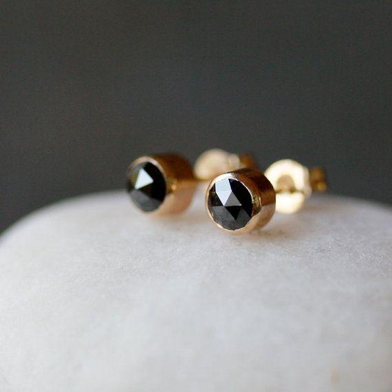 tiny black diamond earrings.: Cut Diamonds, Black Diamond Stud, Black Rose, Diamond Stud Earrings, Rose Cut Diamond, Diamond Studs, Black Diamonds, Earrings Rose