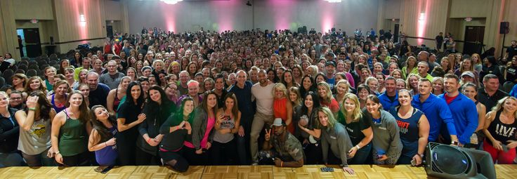 Hanging out with @shaunt @sundaysurvivor, Michael Niemand (Team Beachbody Corporate Leadership) and ~600 health and fitness visionaries in Minnesota! Thank you!! #DecideCommitSucceed #OutwitOutplayOutlast | www.HowDoIGetRipped.com/About