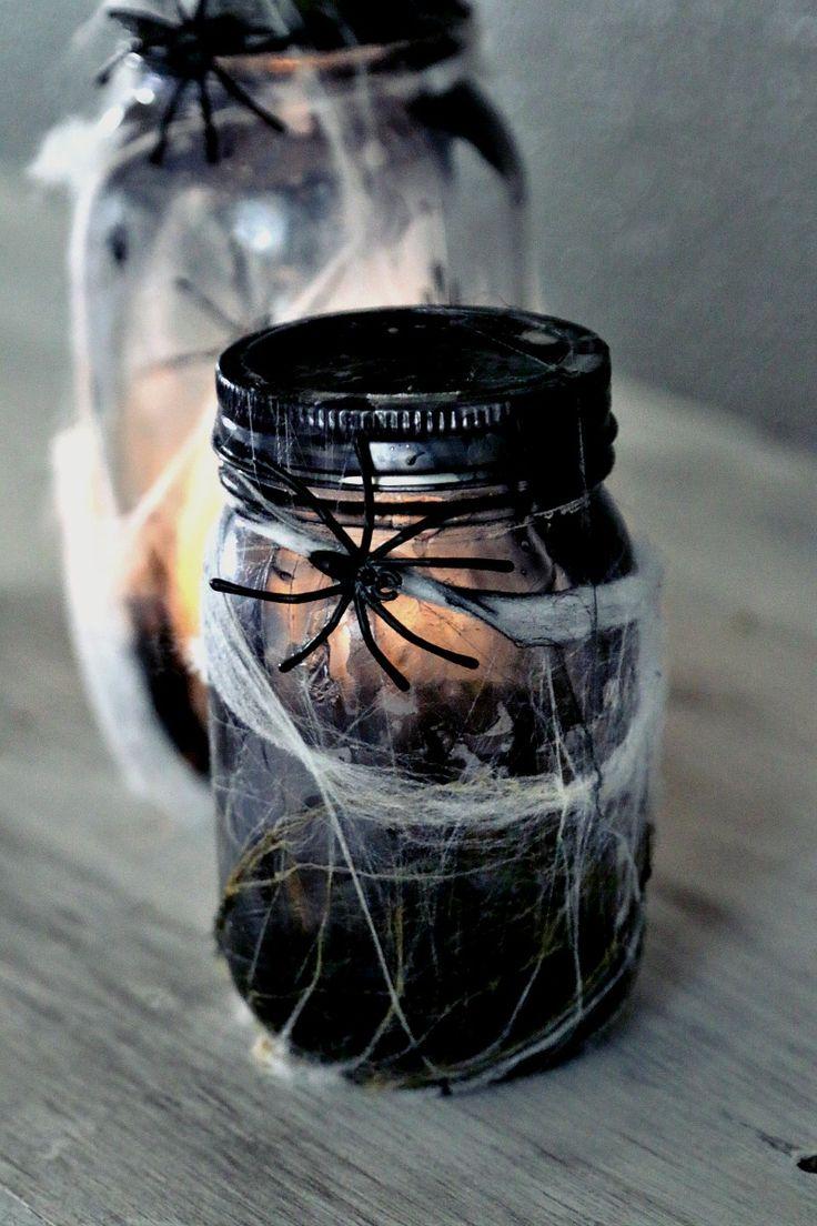 bokaaltje,spin,web,onder-en bovenkant deppen in zwarte-gele nagellak,water erbij,zo krijg je een oud effect