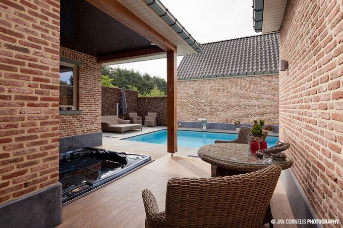 Sauna en wellness Karmijn, laat je kennis maken met het sauna gebeuren, in een zeer verzorgde, gezelligheid uitstralende ruimte. Bij het binnen treden een gevoel van thuiskomen creëren. Bekijk alle detail op http://www.relaxy.be/prive-sauna/lummen/96-sauna-karmijn/ - Privé Sauna karmijn - Relaxy.be