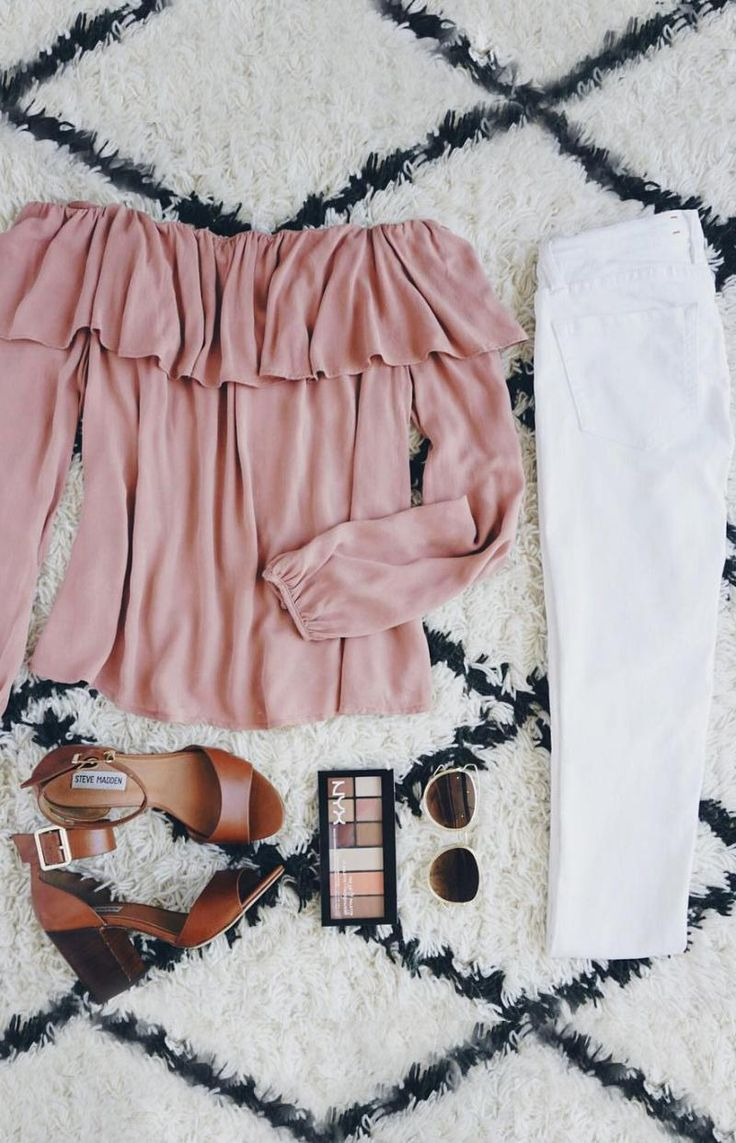 Off the shoulder top with white skinny jeans and accessories | outfit ideas and inspiration for a cute every day look