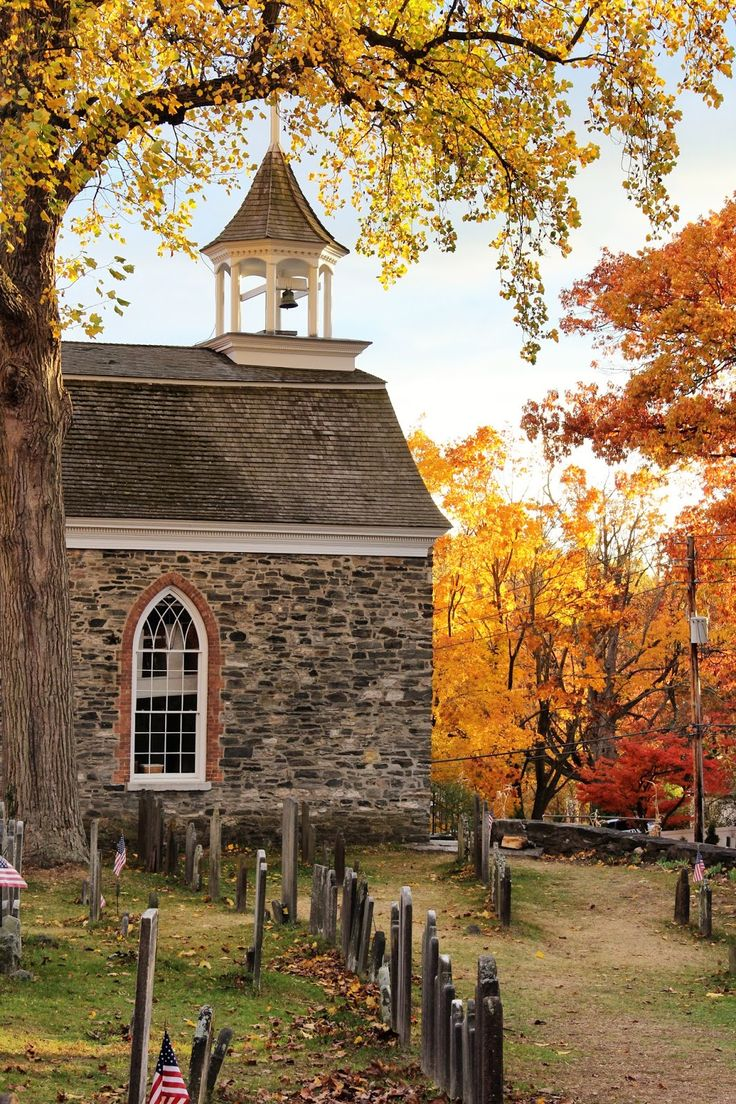 Old Dutch Church (1685), Sleepy Hollow, New York | New England Living