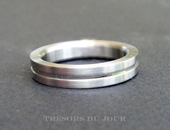 Unique Minimalist WEDDING RING  in 18ct White Gold with Matt finish can be customized by TresorsDuJour  #UniqueModernWeddingRing #MinimalistWeddingRing
