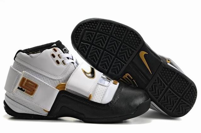 http://www.airfoamposite.com/nike-zoom-lebron-45-white-black-gold-p-349.html NIKE ZOOM LEBRON 4.5 WHITE BLACK GOLD Only $85.00 , Free Shipping!