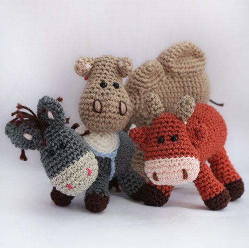 Nativity set: Donkey, ox and Camel amigurumi crochet pattern by Woolytoons