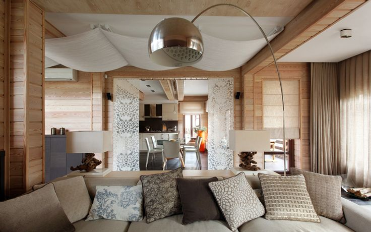 Тканевые натяжные потолки: особенности монтажа и 75 стильных решений для дома http://happymodern.ru/tkanevye-natyazhnye-potolki-otzyvy-foto/ Белый тканевый потолок хорошо смотрится с деревянной отделкой гостиной