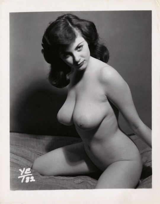 nude-black-retro-pics