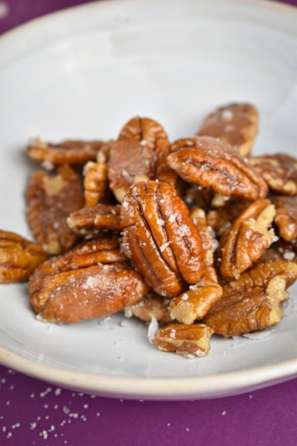 BEST Keto Pecans! Low Carb Keto Salted Caramel Coated Pecans Idea – Sugar Free – 4 Ingredient – Quick & Easy Ketogenic Diet Recipe – Completely Keto Friendly