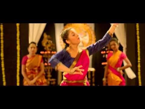 Classical Classmate Video Song - Sonalee Kulkarni - Latest Marathi Movie - YouTube