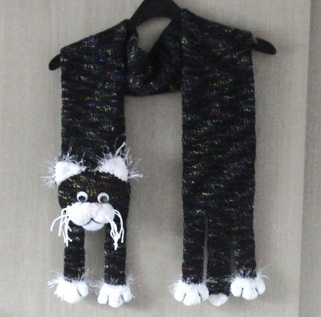 Knitted Wicked Cat Scarf  £15.00