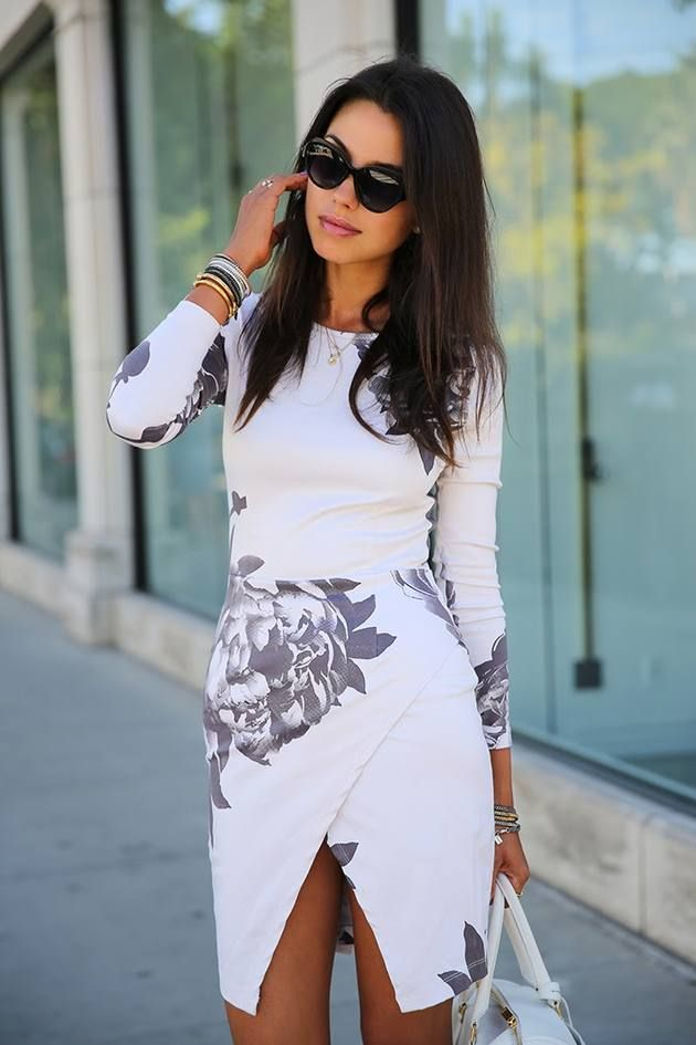 Amazing white dress with large grey flowers pattern