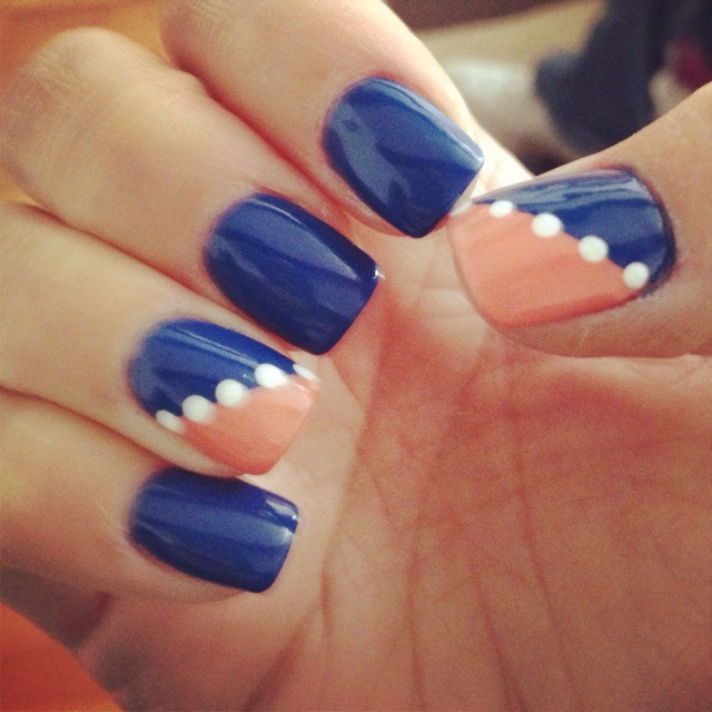 Essie love.: Arty Nails, Awesome Fingernails, Nails Tutorials Ideas, Bsu Nails, Accent Nails, Art Ideas, Bronco Nails, Beauty Nails, Broncos Nails