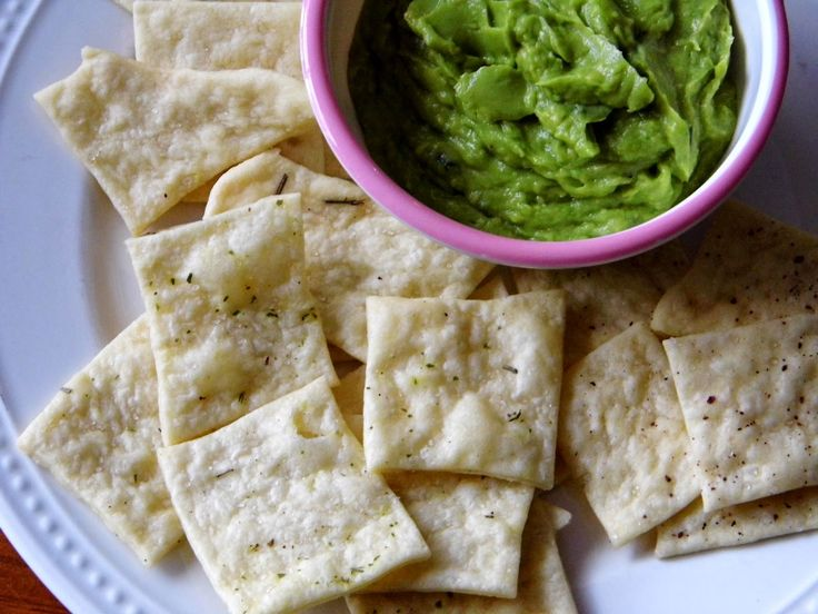 One Mother Hen: Homemade crackers and simple avocado dip