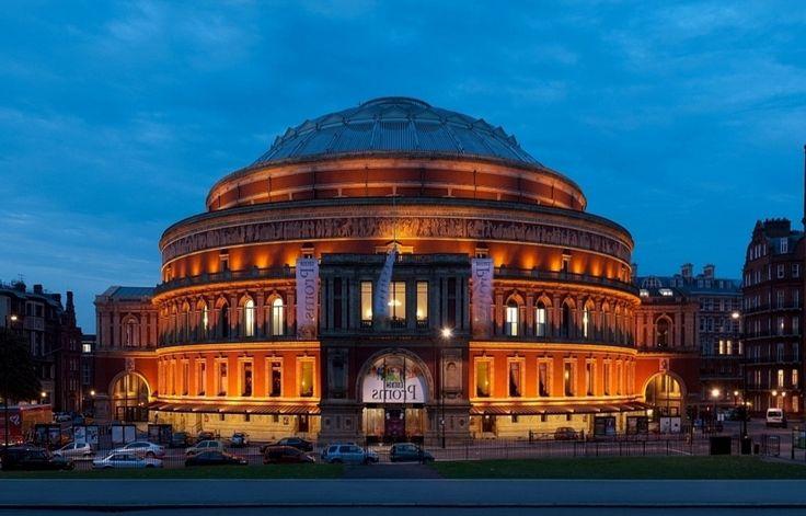 «Альберт-холл» https://zalservice.ru/zaly-mira/albert-hall  Немного истории: Королевский зал искусств и наук носит имя принца Альберта, супруга королевы Виктории и был спроектирован и построен в память о нем. Альберт-Холл открылся в столице Великобритании в 1871 году и является самым...