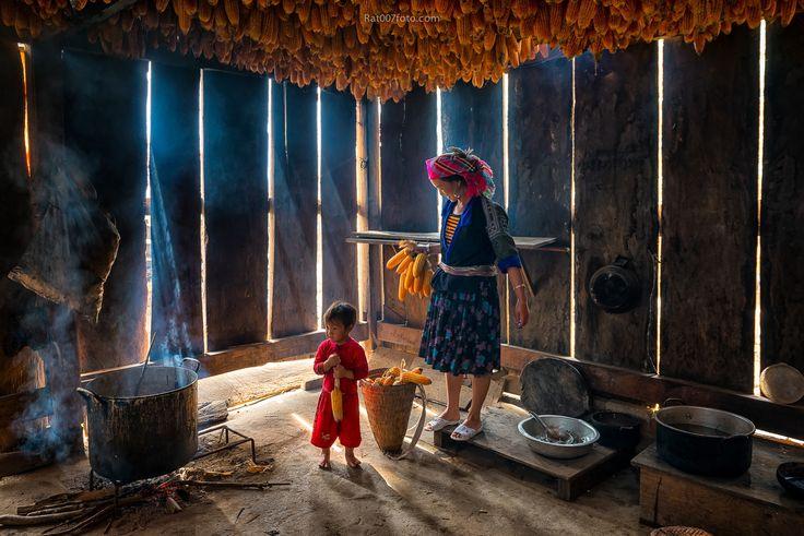 Together by Ratnakorn Piyasirisorost on 500px Hmong Family, North Vietnam 2014
