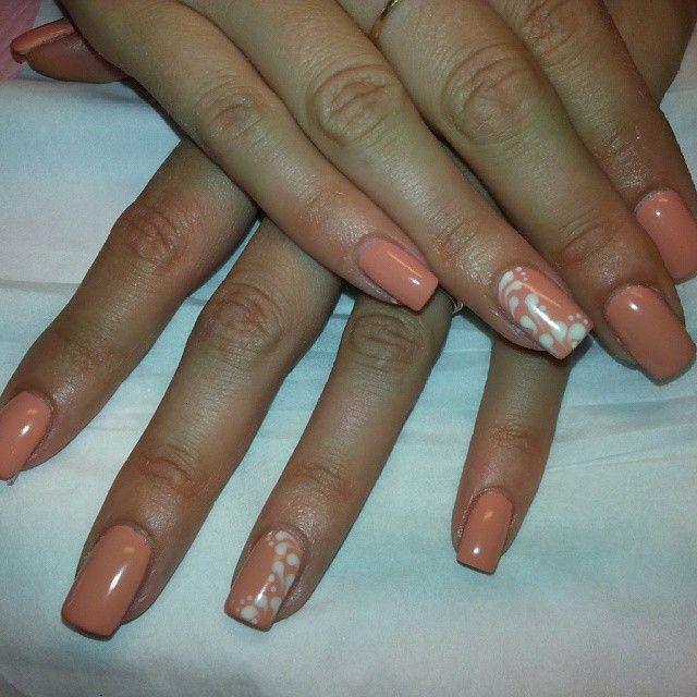 Unghie#nails#colore#pesca#disegno#bianco - 82elody