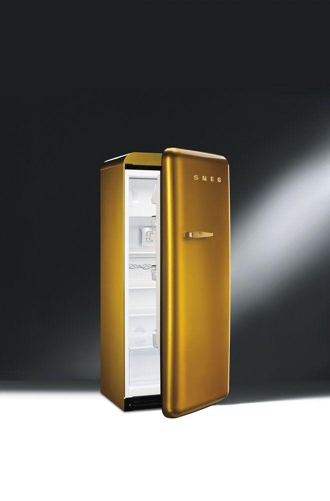 Een juweel voor de keuken: de Smeg koelkast FAB28 Swarovski Gold #koelkast #smeg