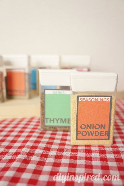 Tic Tac Pack Spice Containers with a Printable - perfect for camping! #repurposed #tictacpack #freeprintable