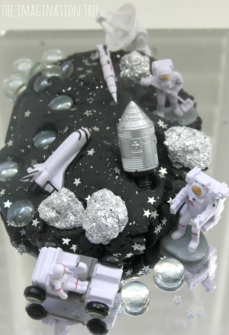 Space galaxy play dough small world I love the idea of tinfoil rocks!