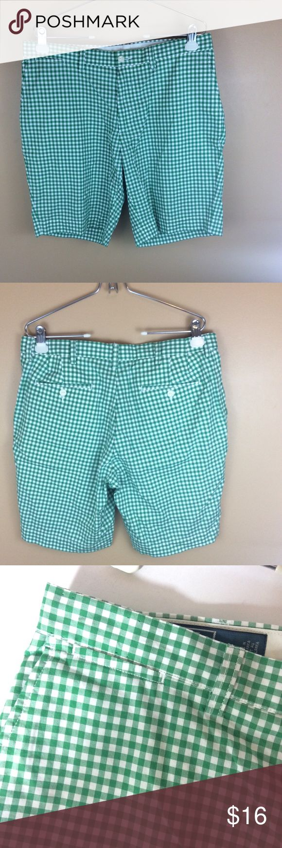 """Polo Ralph Lauren Green Gingham Plaid Shorts  34 For sale is this great pair of Ralph Lauren Suffeild shorts. Green & white gingham plaid, flat front.100% Cotton  Men's Size 38 THIS ITEM HAS BEEN ALTERED. PLEASE NOTE MEASUREMENTS.  Inseam 9""""  Waist 34""""  Rise 10.5"""" Ralph Lauren Shorts Flat Front"""