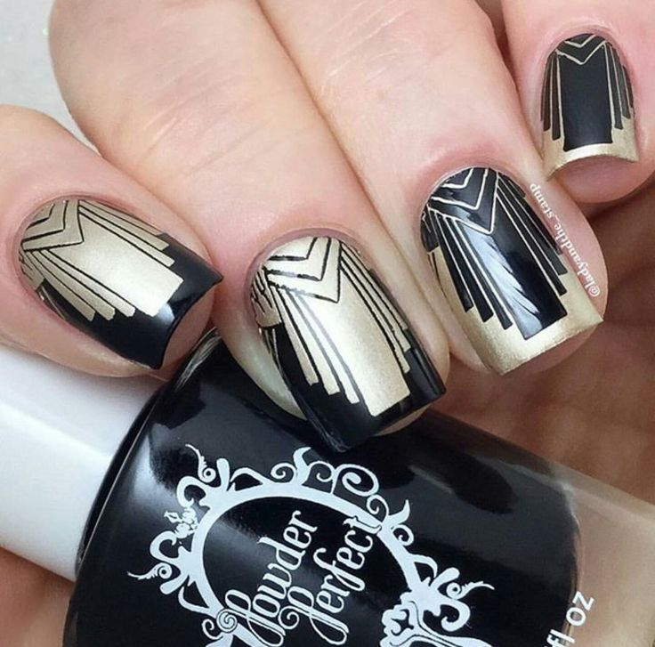 Powder Perfect will be a vendor at Aussie Indie Con on June 17th 2017 in Sydney.  https://www.facebook.com/AussieIndieCon/?fref=ts  Nail art by https://www.instagram.com/ladyandthe_stamp/?hl=en using Powder Perfect black and gold stamping polishes and Powder Perfect Deco 1 stamping plate.