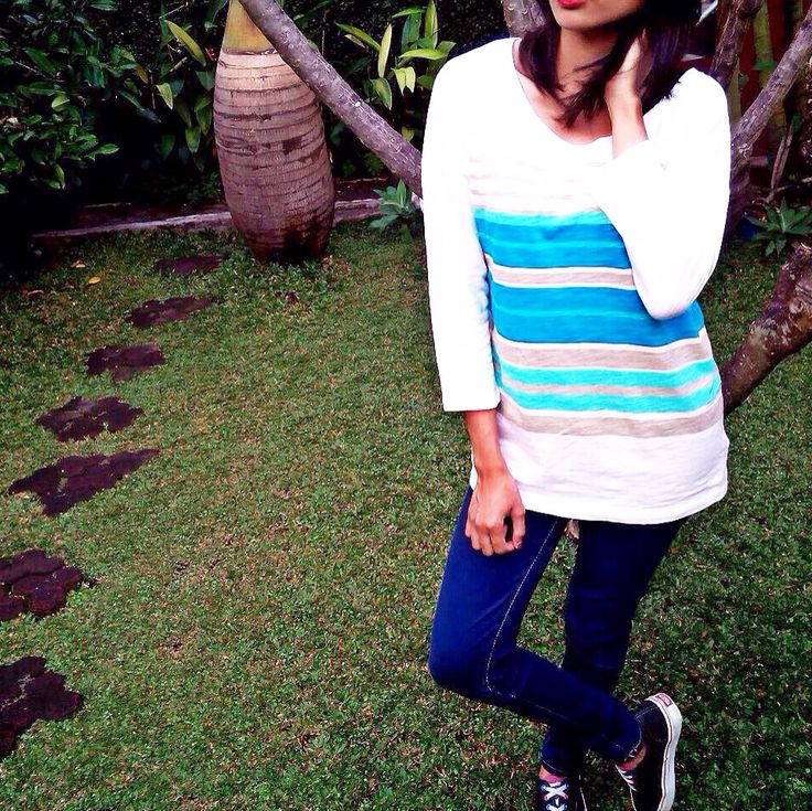 LADIES   T-SHIRT  In-frame Article: Rainbow Tee  Visit our web: www.jeunnes.com