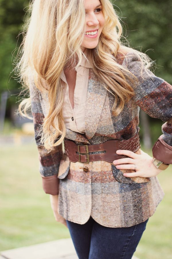 Love the belted blazer. I don't have a plaid blazer but I do have a floral that might work.