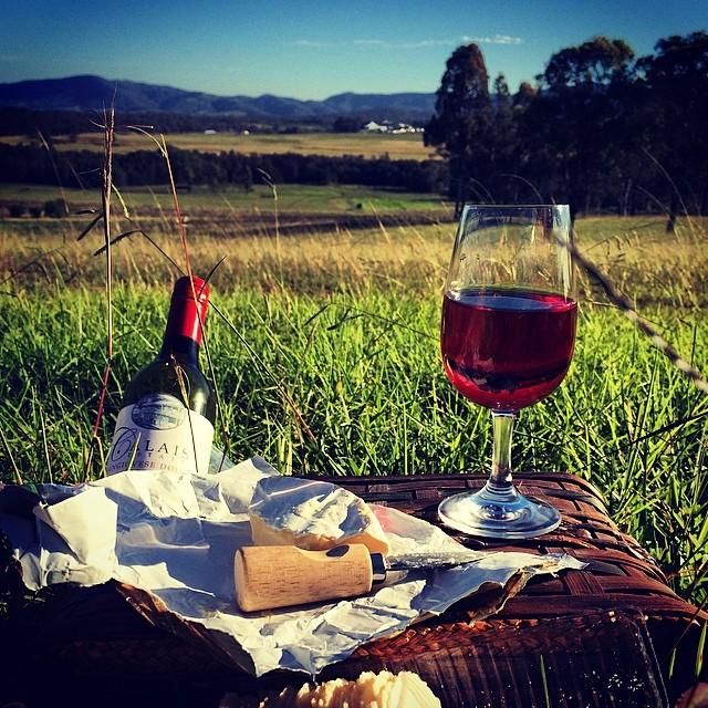 Who can you picture yourself here with in the Hunter Valley? Photo: @_valenttine_ (via IG) #RestaurantAustralia pic.twitter.com/6RObrUBjAt