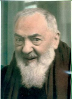 Compartimos esta profunda oración del Padre Pio para luego de comulgar.