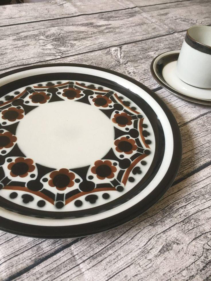 Arabia/Riikka/plate/1970s/finnish design/Anja Jaatinen-Winquist by WifinpoofVintage on Etsy