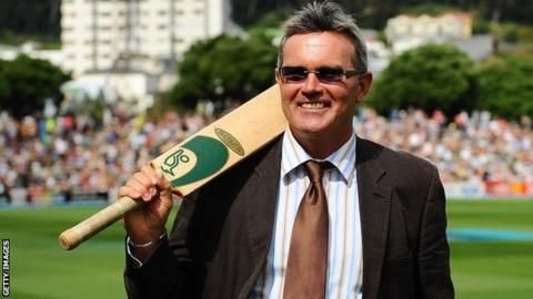 Martin Crowe: Ex-New Zealand captain dies of cancer at 53 - BBC Sport. Rest in peace.....