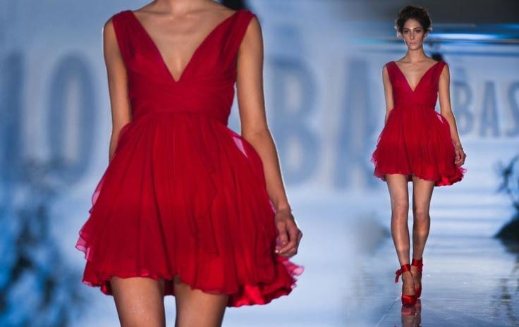 someone buy me this red dress!! Pablo Sebastian